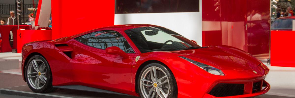 どんなシーンにも対応する、オールラウンダーなスーパーカー「フェラーリ 488」について解説!