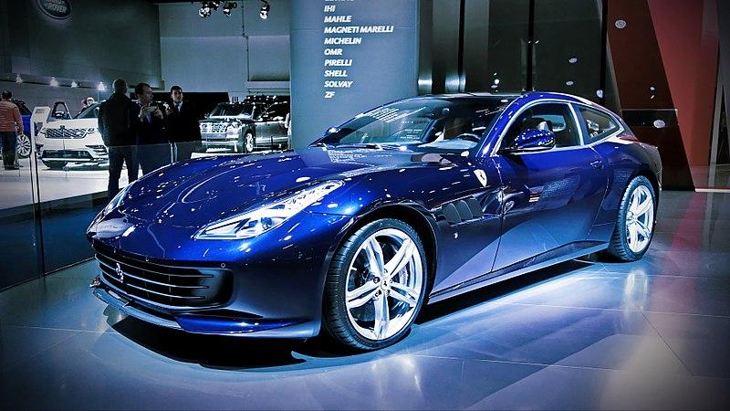 フェラーリ GTC4Lusso